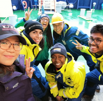 Students aboard the Reserach Vessel Icebreaker ODEN